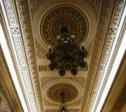 Дворец Парламента Бухарест,канделябры.Всего 2800