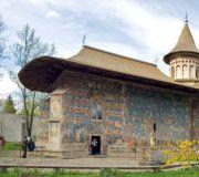 Расписные монастыри Буковины