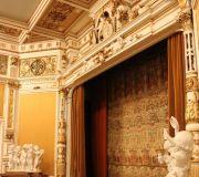 Дворец Пелеш.Зал театра.
